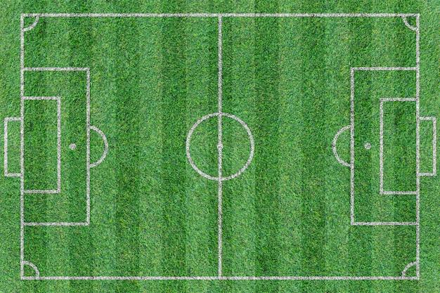 Vista superior del campo de fútbol verde