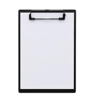Vista superior cerrada portapapeles negro aislado y fondo blanco con papel en blanco y trazado de recorte