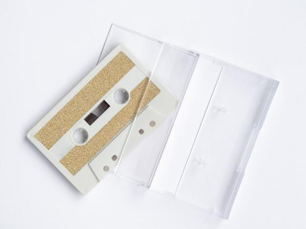 Vista superior de cinta de cassette minimalista