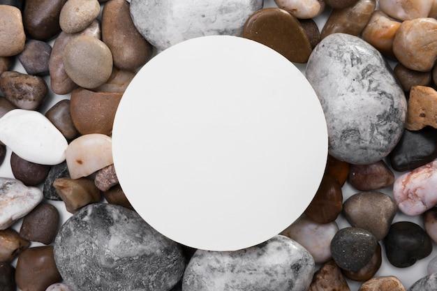 Vista superior colección de rocas con marco