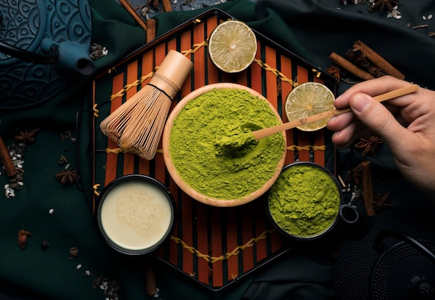 Vista superior colección de tés verdes en polvo
