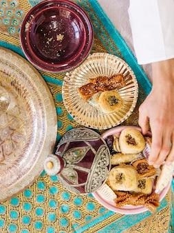 Vista superior de comida arabe