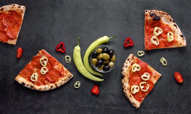 Vista superior composición de comida italiana