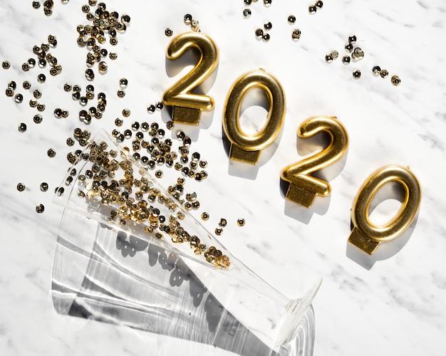 Vista superior concepto de año nuevo 2020