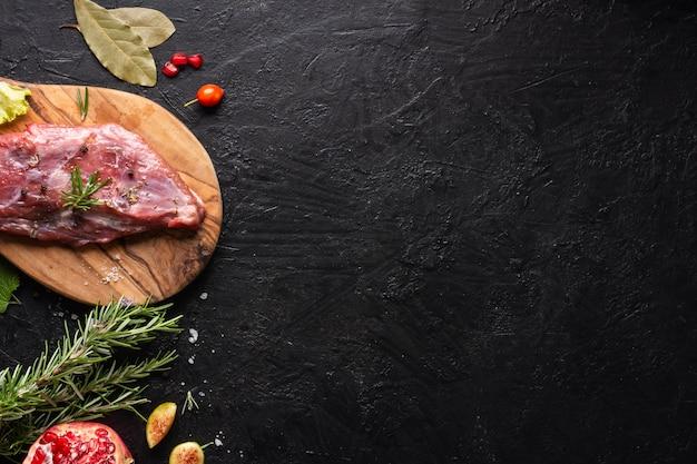 Vista superior del concepto de carne con espacio de copia