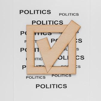 Vista superior del concepto de elecciones con signo