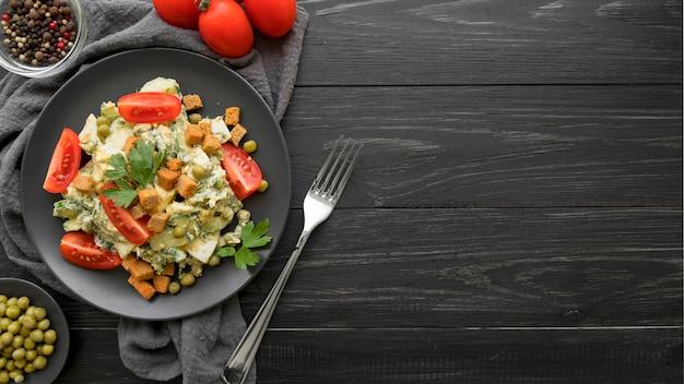 Vista superior del concepto de ensalada deliciosa