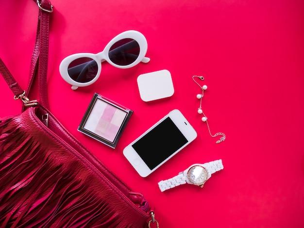 Vista superior del concepto de moda y estilo minimalista.