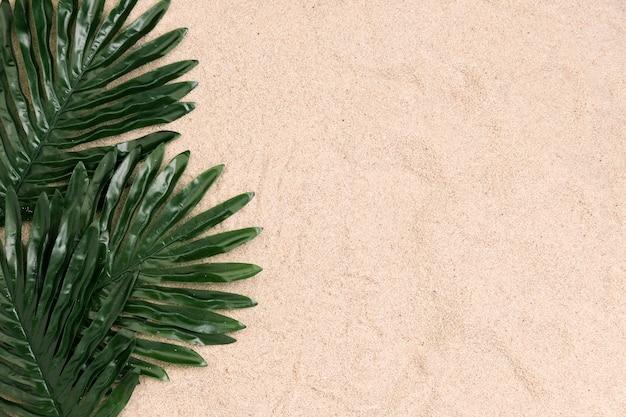 Vista superior del concepto de verano con espacio de copia
