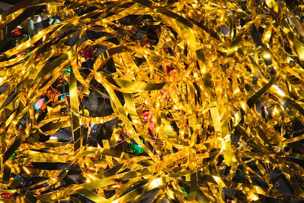 Vista superior de confeti dorado para fiesta