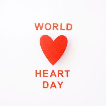 Vista superior del corazón de papel para el día mundial del corazón