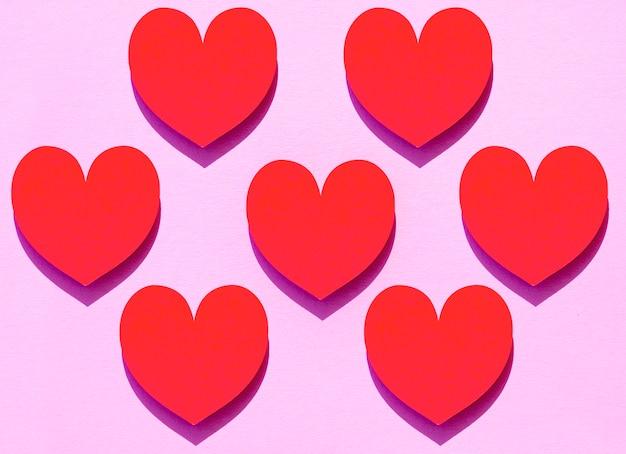 Vista superior de corazones de papel para el día mundial del corazón
