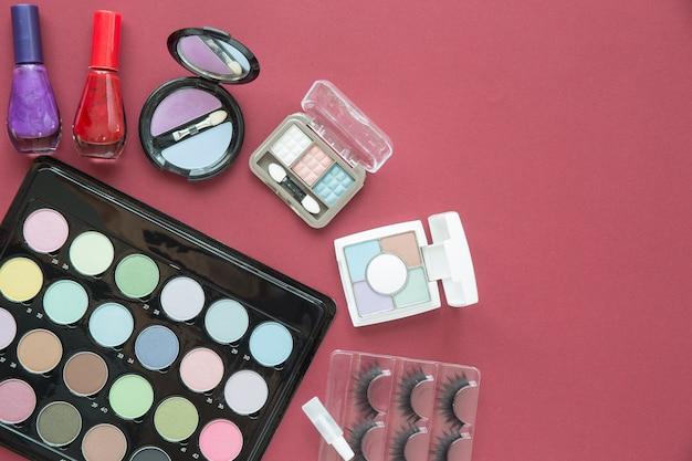 Vista superior cosmética belleza maquillaje