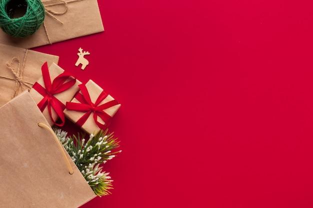 Vista superior decoración de navidad con espacio de copia