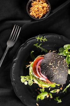 Vista superior deliciosa composición de hamburguesa