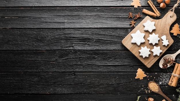 Vista superior deliciosas galletas de jengibre navideñas