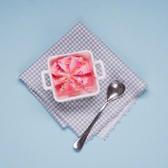 Vista superior delicioso helado con cuchara
