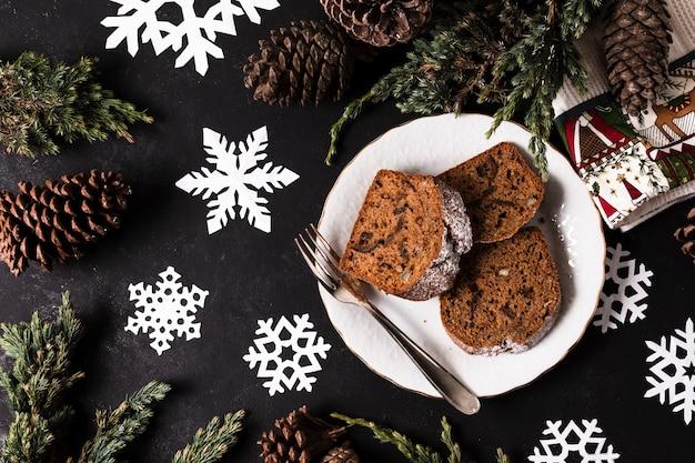 Vista superior delicioso pastel para fiesta de navidad