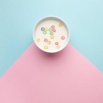Vista superior delicioso tazón de cereal