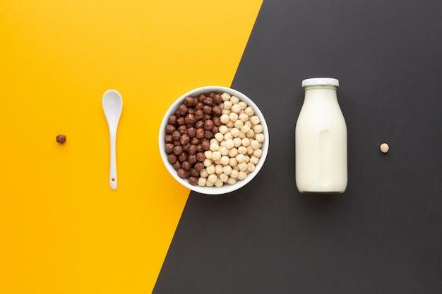 Vista superior delicioso tazón lleno de cereal