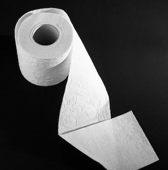 Vista superior desplegar rollo de papel higiénico