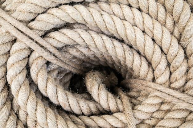 Vista superior del detalle de cuerda de barco en espiral de servicio pesado