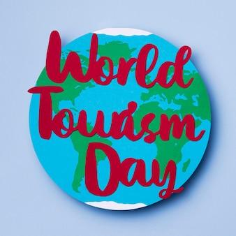 Vista superior del día mundial del turismo con letras