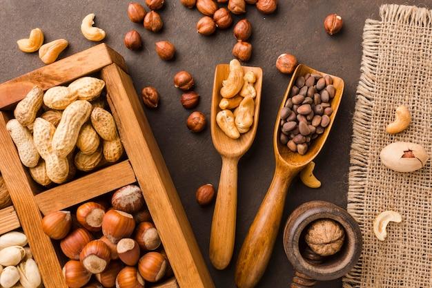 Vista superior de diferentes tipos de nueces