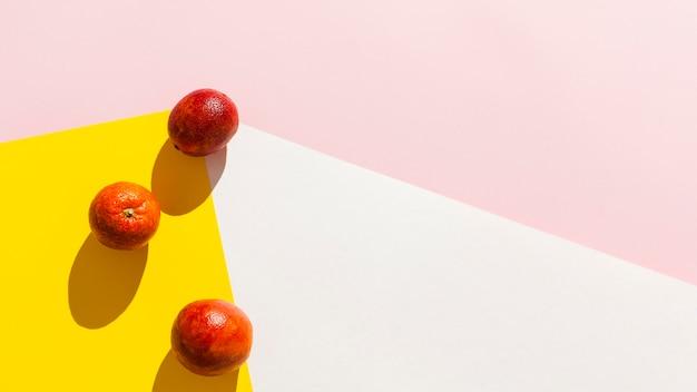 Vista superior de la disposición del marco de frutas