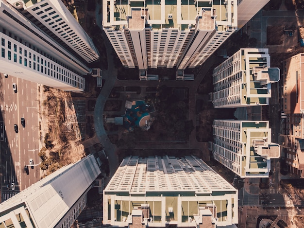 Vista superior en distrito con edificios