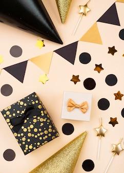 Vista superior elegantes decoraciones de cumpleaños