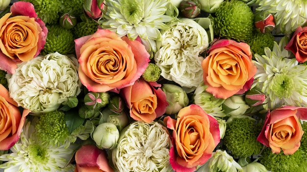 Vista superior de flores de hermosos colores