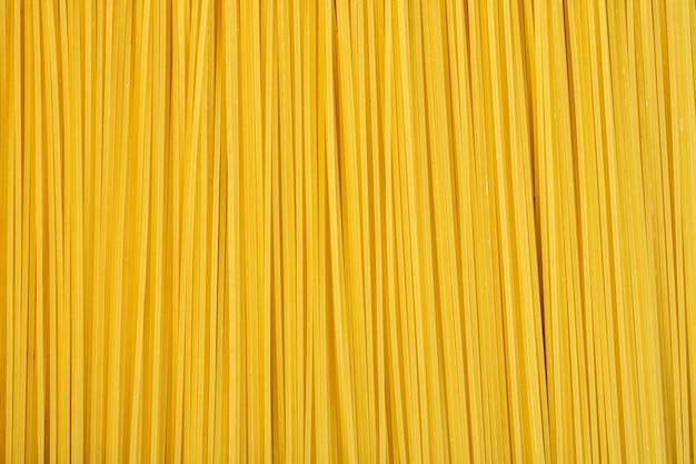 Vista superior del fondo de espagueti crudo