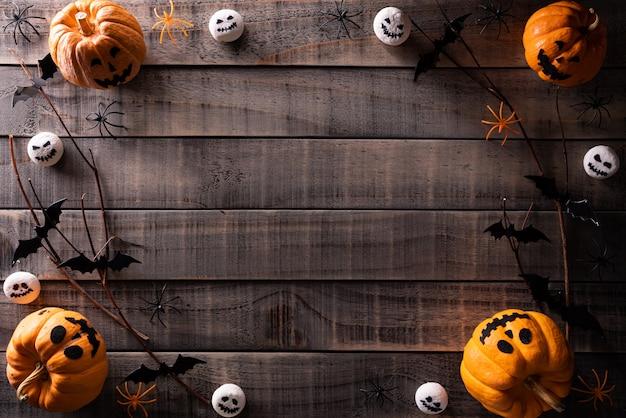 Vista superior del fondo de manualidades de halloween con espacio de copia de texto.