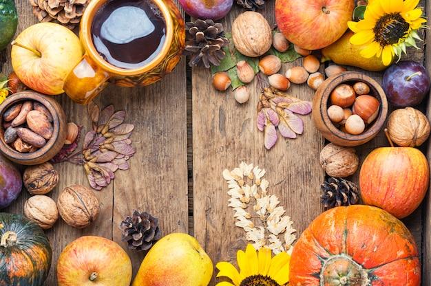 Vista superior de fondo de naturaleza muerta de cosecha de otoño