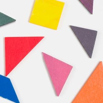 Vista superior de formas coloridas para baby shower