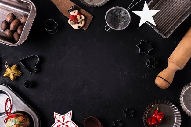 Vista superior golosinas de navidad con espacio de copia
