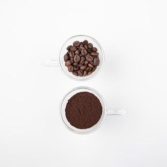 Vista superior de granos de café tostado