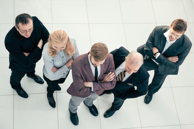 Vista superior. grupo de varios empresarios