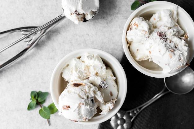Vista superior helado en tazones