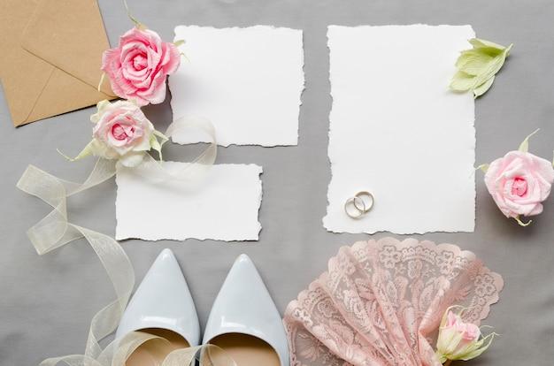 Vista superior hermosa invitación de boda