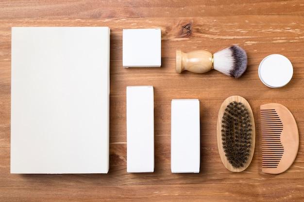 Vista superior de herramientas de aseo de peluquería