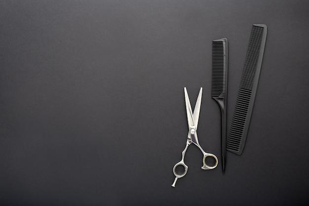 Vista superior de herramientas de peluquería con espacio de copia