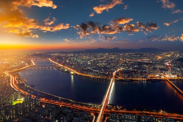 Vista superior del horizonte de la ciudad de seúl