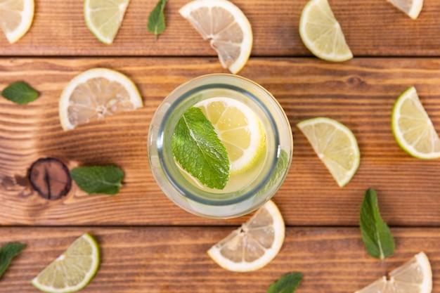 Vista superior de limonada