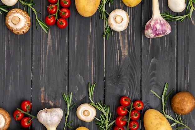Vista superior del marco de alimentos saludables