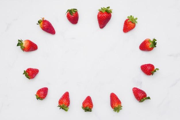 Vista superior marco de fresas