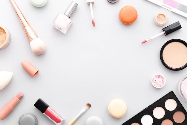 Vista superior marco de maquillaje
