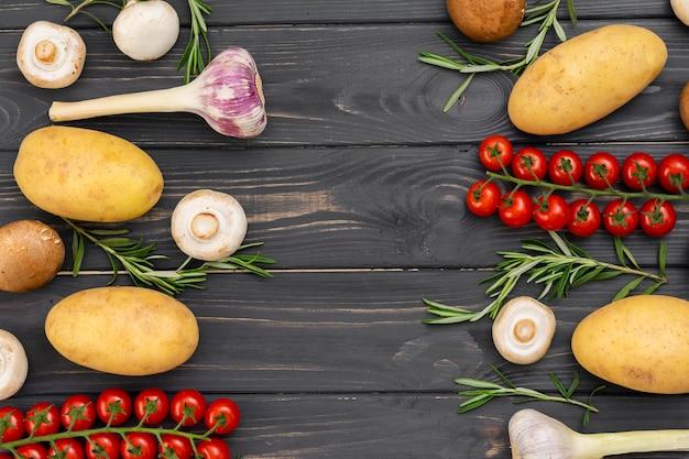 Vista superior del marco de verduras saludables