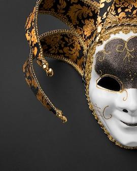 Vista superior de la máscara para el carnaval.